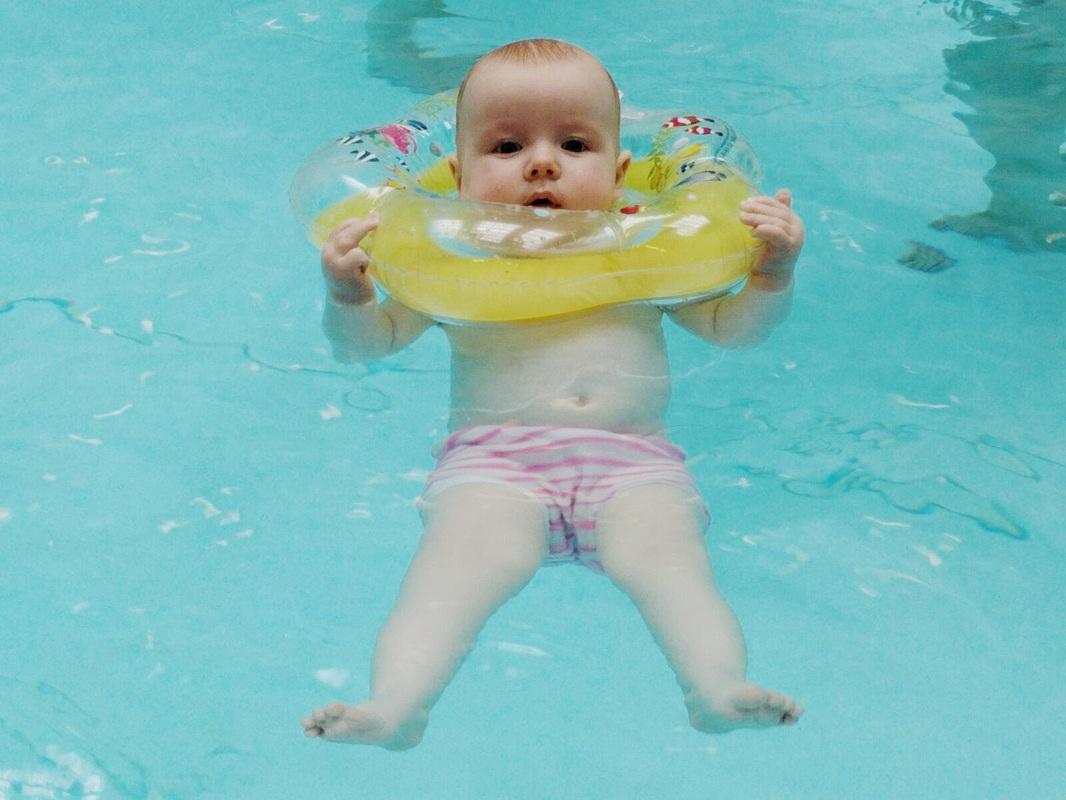 bay_ berenang